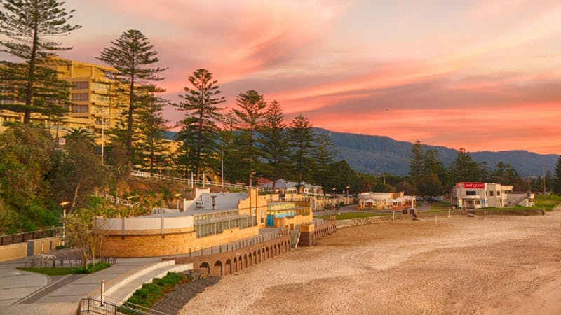 North Wollongong Beach is close to the city.