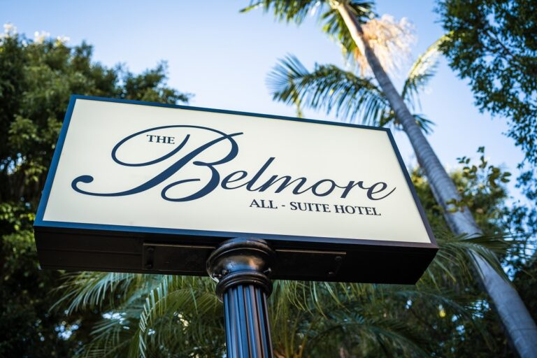 the fold illawarra the belmore all suite hotel sign 768x512