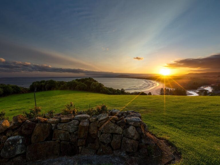 the fold illawarra sir charles kingsford smith memorial and lookout 768x576
