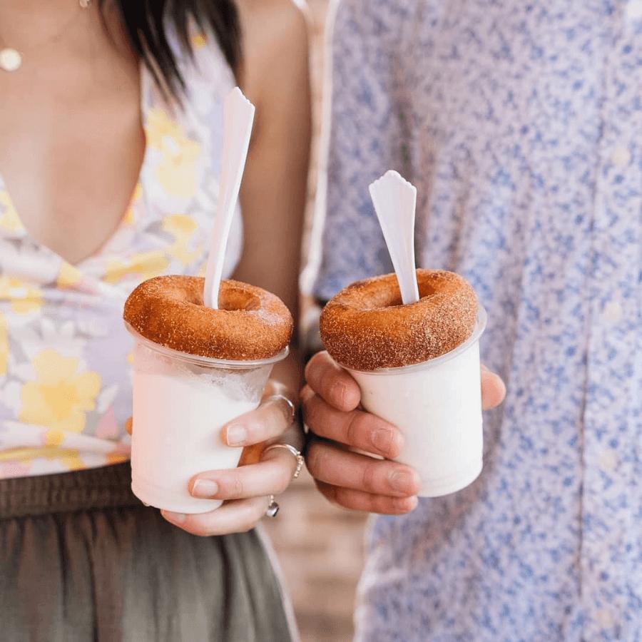Berry Donut Van, Berry